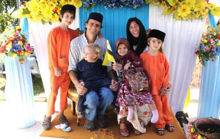 La vida nómada: una familia argentina lleva 11 años recorriendo el mundo