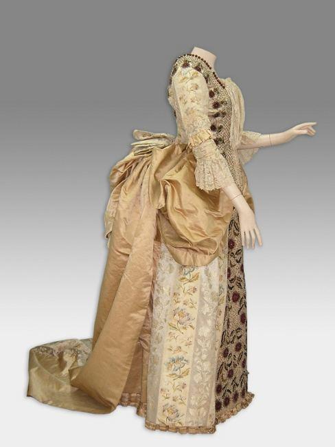 Exposición de Pintura y Vestuario de siglo XIX