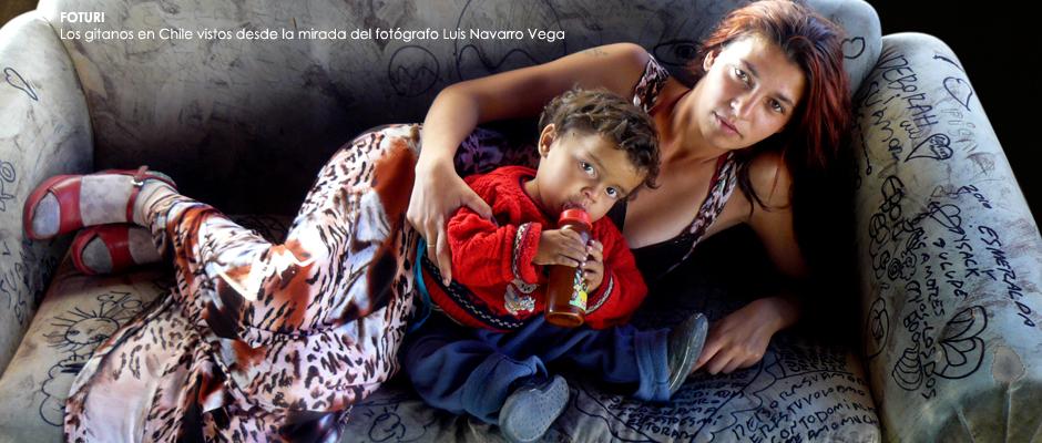 Luis Navarro inaugura muestra que reúne 30 años de fotografías a gitanos