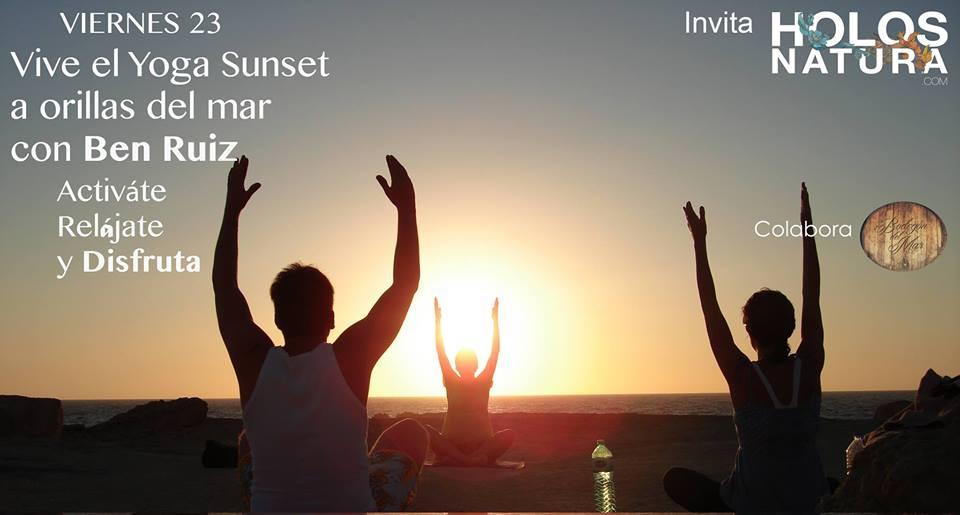 Vive el Yoga Sunset a Orillas del Mar