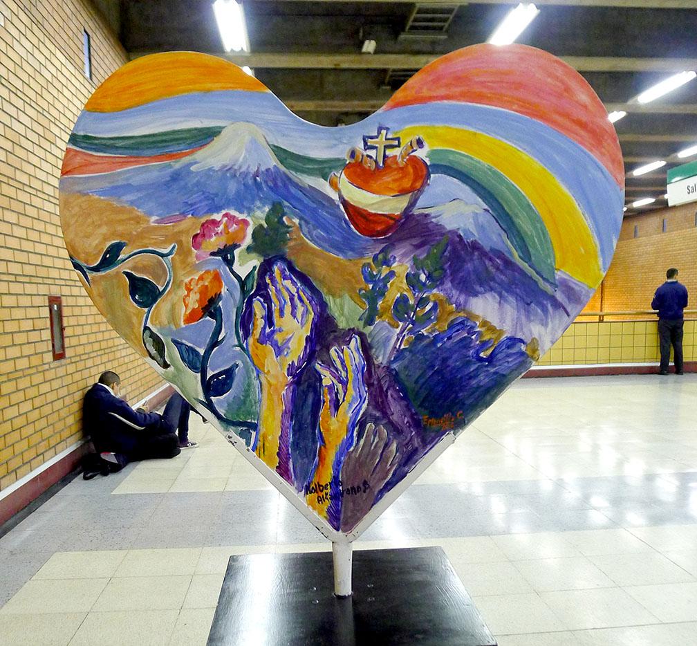 """""""Donar es un Gesto de Vida"""" Primera exposición de corazones pintados del sur de Chile"""