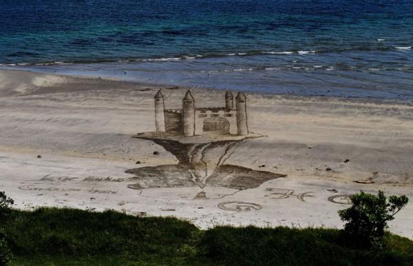 Jamie-Harkins-Sand-Illusions-6-600x386