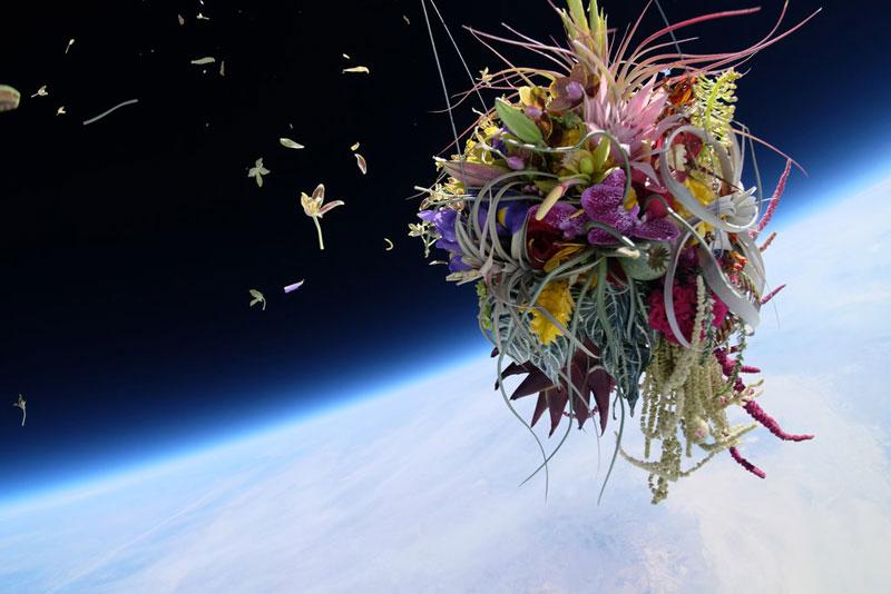 azuma-makoto-sends-flower-bouquet-into-space-2