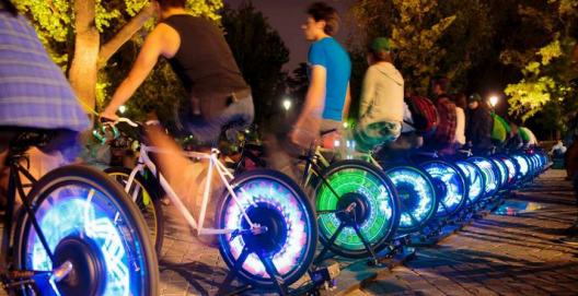 Cine al aire libre funcionará con la energía del pedaleo ciclistas
