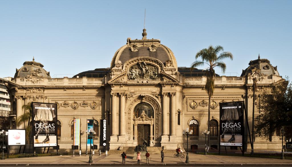 Museo_Nacional_de_Bellas_Artes_Santiago_de_Chile.