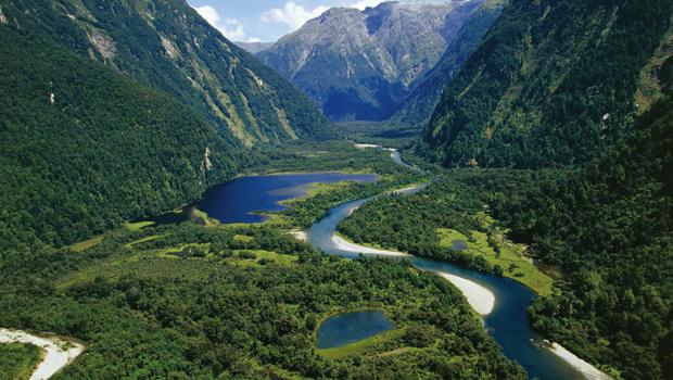 New Zealand, South Island, Te Wahipounamu, Fiordland National Park, Milford Track, river Arthur