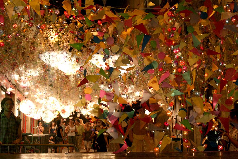 Fiestas de Gracia en Barcelona, calles repletas de color y alegría