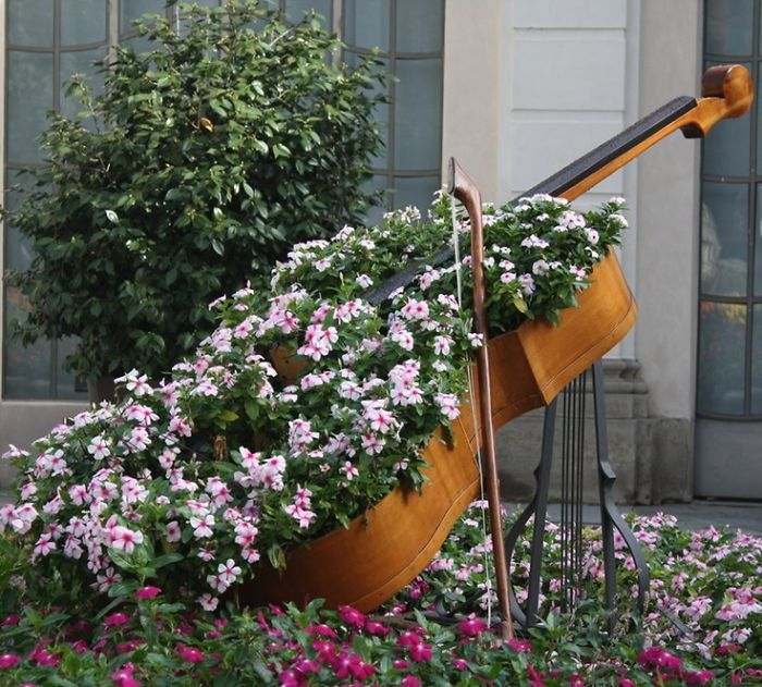 recycled-furniture-garden-24__700