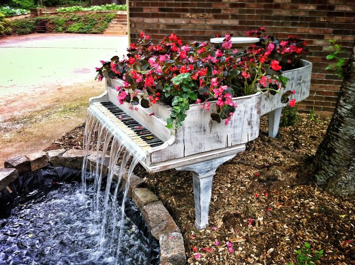 recycled-furniture-garden-9__700