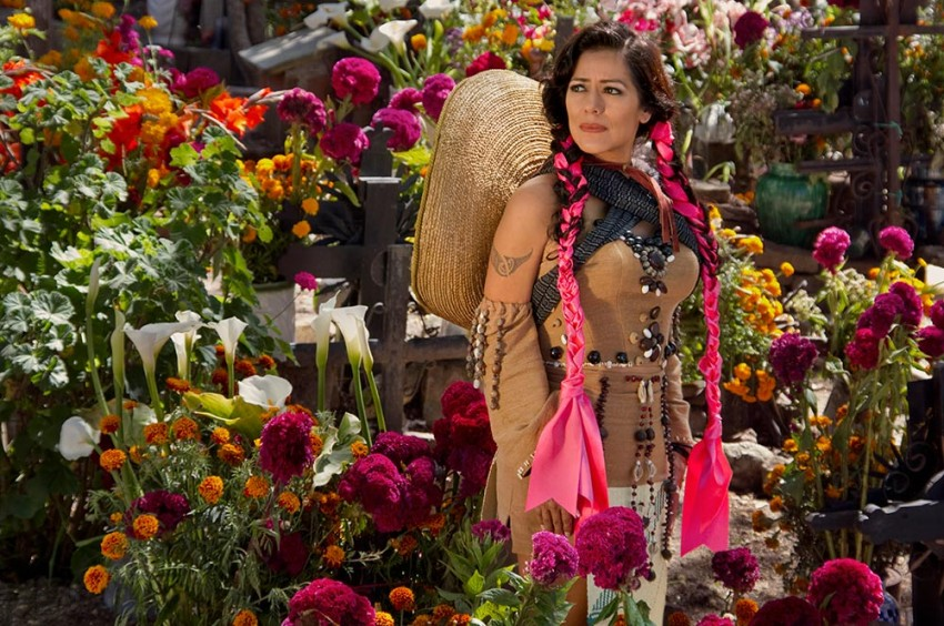 Lila Downs regresa a Santiago para presentar «Balas y Chocolate»