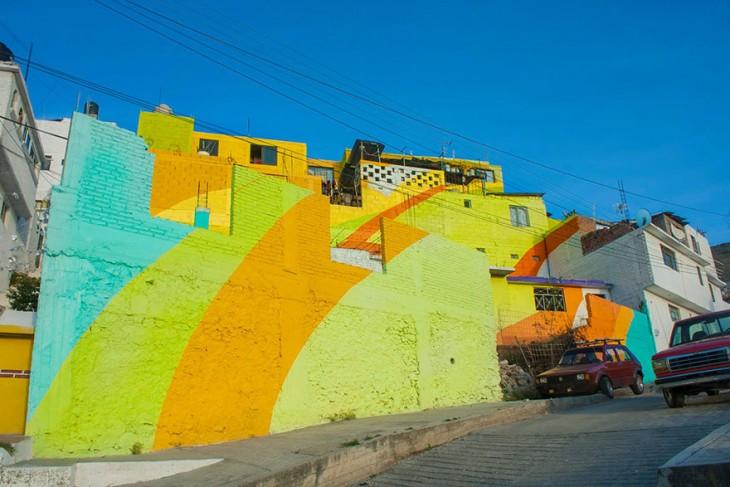 Macromural-pintado-en-casas-de-una-colonia-en-Pachuca-2-730x487