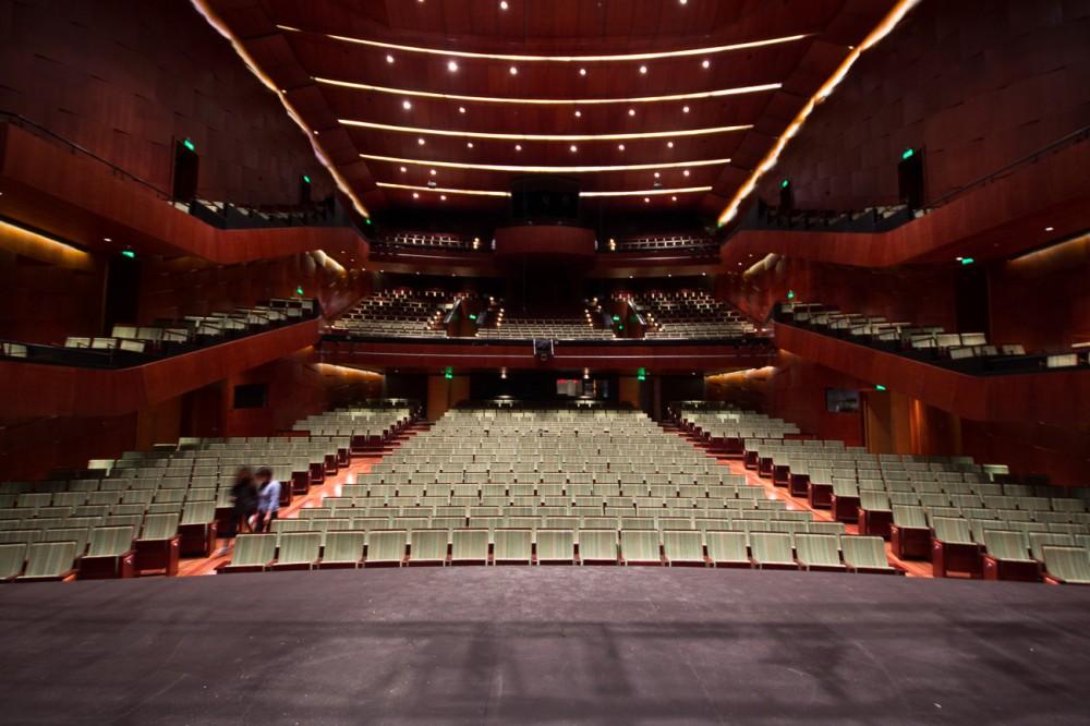 1387817805_teatro_del_lago_sal__n_principal-1000x666