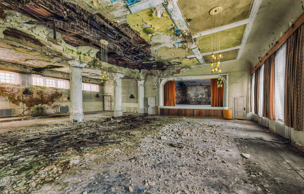 abandoned-rooms-christian-richter-3