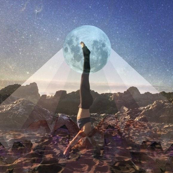 La naturaleza y el yoga de lou cooper se unen para crear for En que luna estamos