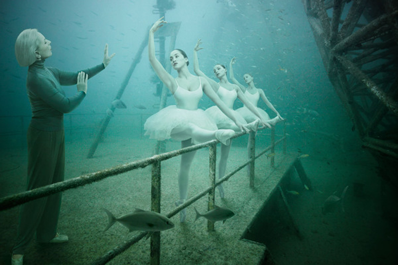 The-Sinking-World-by-Andreas-Franke-3