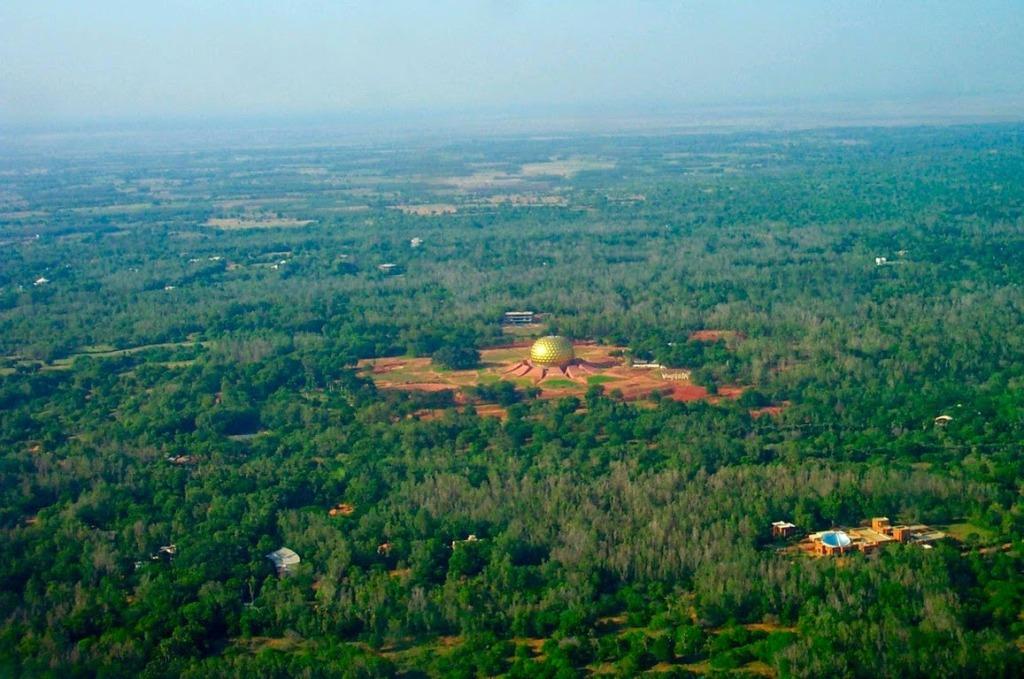 Auroville-vue-du-ciel (Copier) (1)