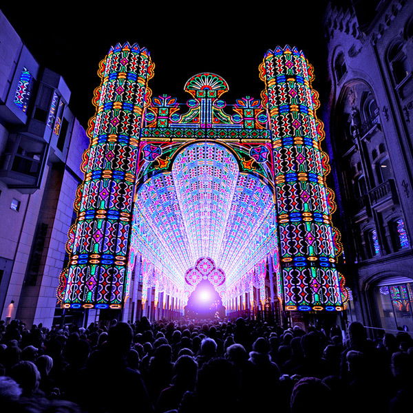 Una catedral iluminada con 55.000 luces LED