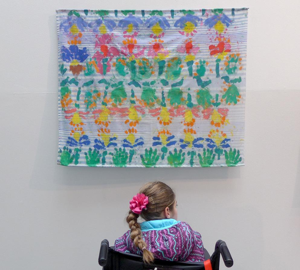 """""""Florezco"""" exposición de arte terapia creado por niños y jóvenes de la fundación Alter ego"""
