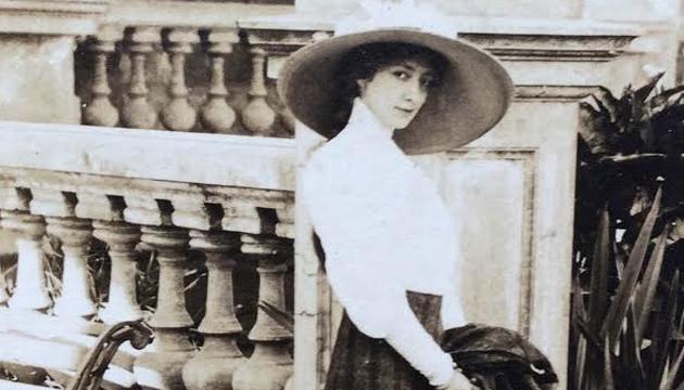 Mujeres en Santiago, Retratos femeninos urbanos en el siglo XX