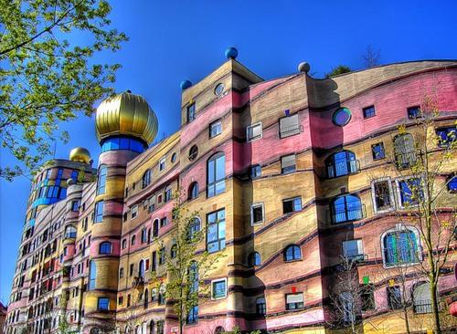 Unique-architectural-designs-by-Friedensreich-Hundertwasser-1