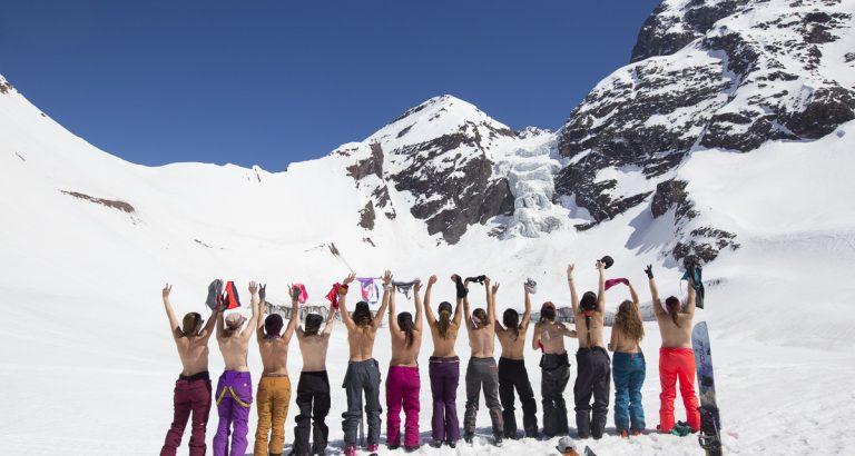 Éstas 13 mujeres celebraron las Fiestas Patrias en medio de la cordillera Chilena, Backcountry al más puro estilo Pieles