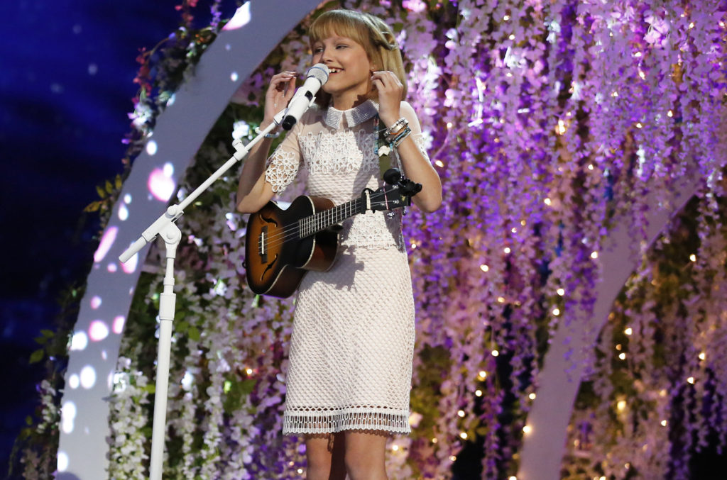"AMERICA'S GOT TALENT -- ""Live Finale"" Episode: 1122 -- Pictured: Grace VanderWaal -- (Photo by: Trae Patton/NBC)"