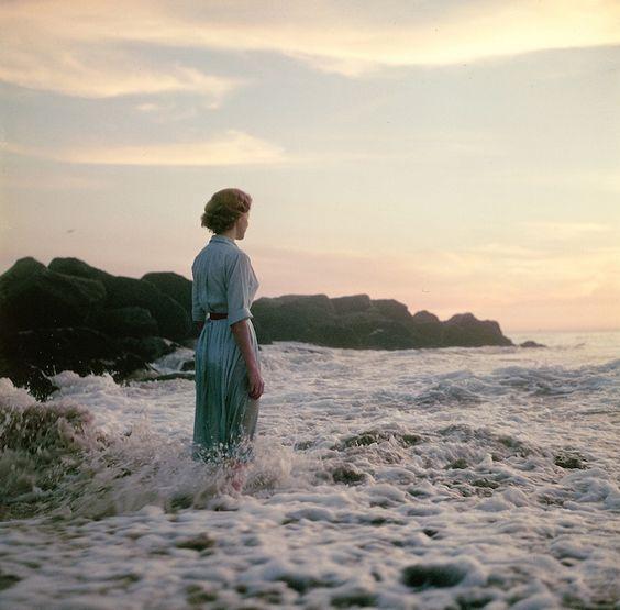 Buscando la identidad de una misteriosa mujer en unas preciosas fotografías antiguas
