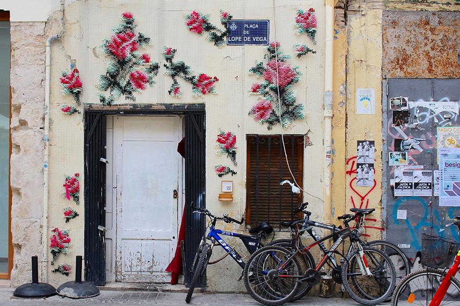 Naturaleza Floral tejida en las paredes