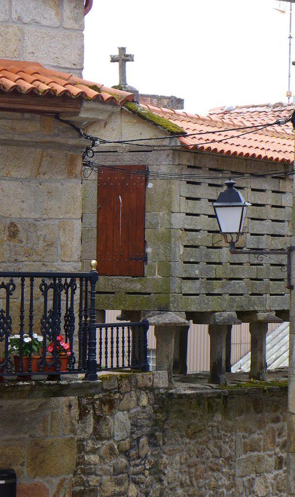 La historia de los Horreos, casitas que me aparecen siempre en los pueblos de España