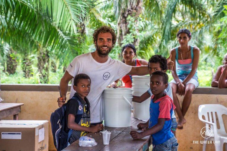 The Water Van Project, Cuatro amigos lo dejan todo para llevar agua a los que la necesitan