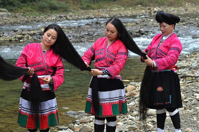 Las mujeres de la tribu Red Yao tienen el pelo más largo de mundo