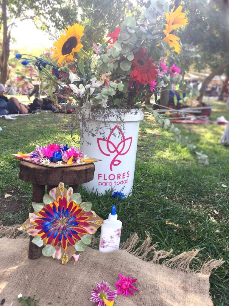 """""""Flores para Todos"""" en Festival Lollapalooza 2017"""