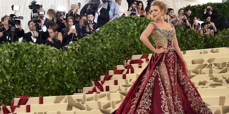 Los vestuarios y tocados más bellos  de la gala MET 2018