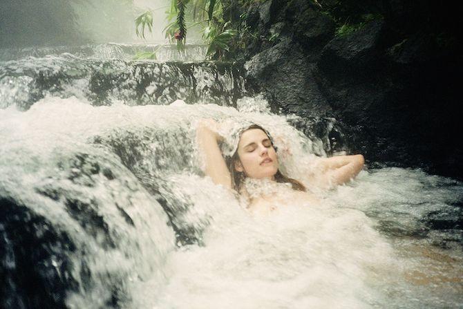 «Pheromone-hotbox», un libro de la fotógrafa Amanda Charchian