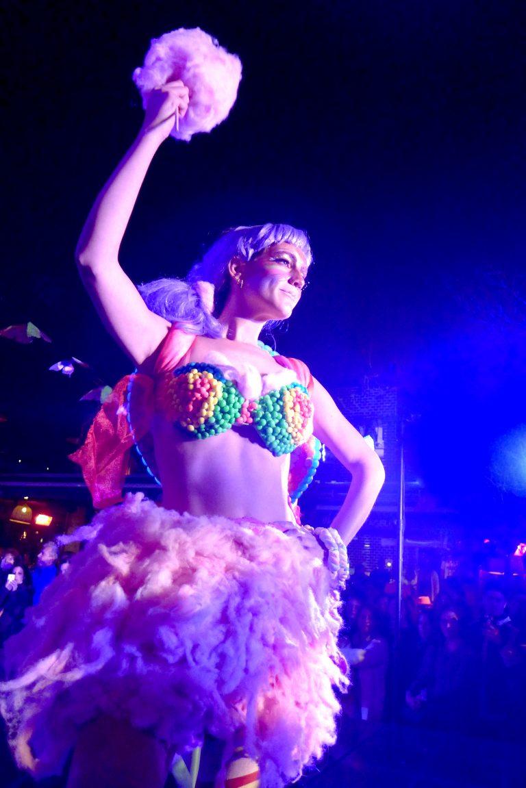 Danza y vestuario experimental en Primavera Fest
