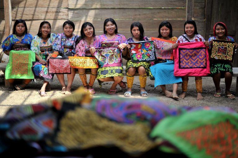 Las Molas, la fuerza del arte textil de las mujeres Kunas