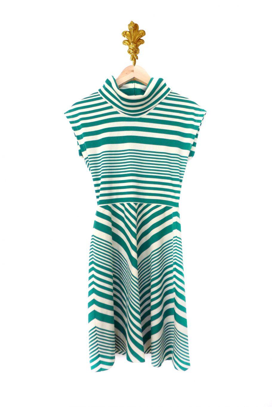 Vestido de rayas verde