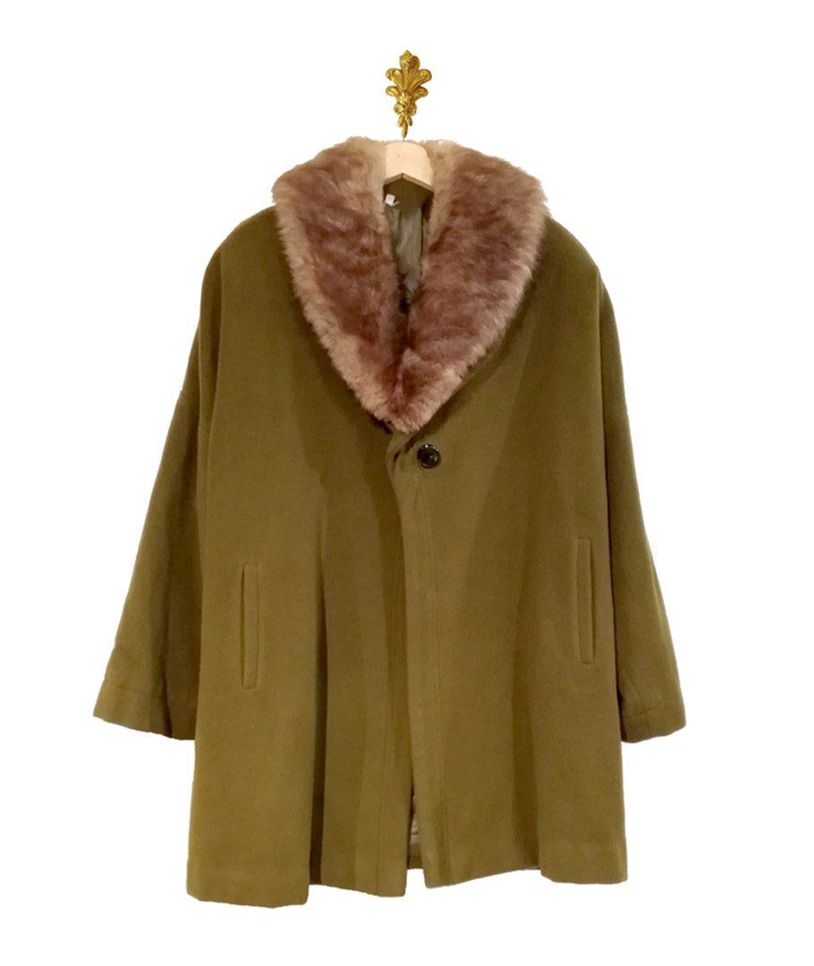 Abrigo verde musgo