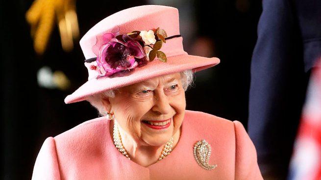 Así es como la reina Isabel II elige sus looks diarios
