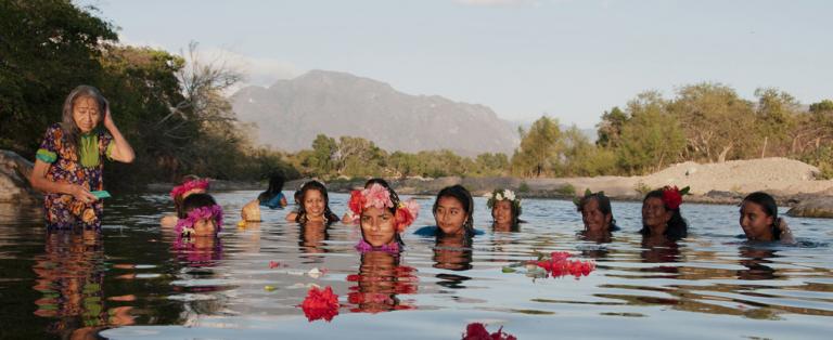 """""""Las Diosas del agua"""" fotografías de la artista mexicana Claudia Terroso"""