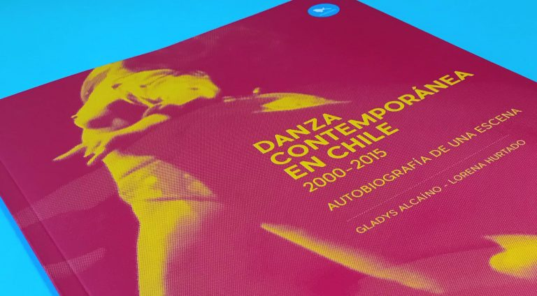 "Libro ""Danza contemporánea en Chile. 2000-2015""."