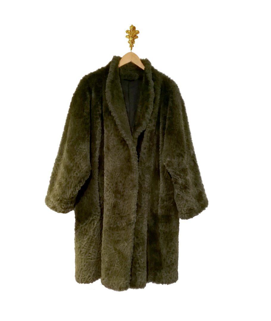 Abrigo verde piel sintética