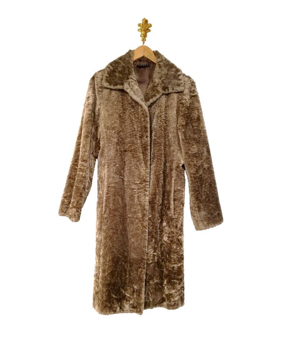 Abrigo de piel cafe grisaseo
