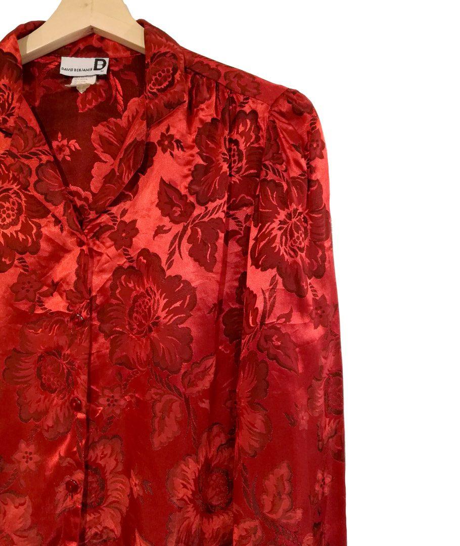 Blusa roja flores