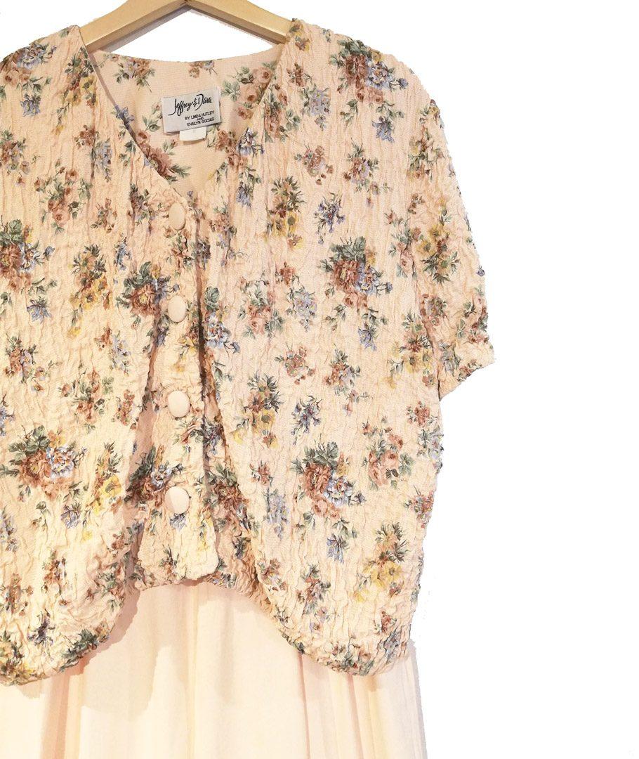 Enterito damasco con chaqueta flores