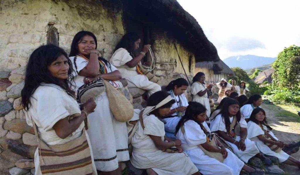 """""""Coronavirus no debe nombrarse más"""": el llamado de las indígenas de la Sierra Nevada"""