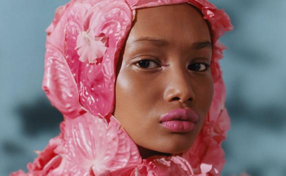 Tyler Mitchell es el primer fotógrafo afroamericano a cargo de una portada de Vogue.